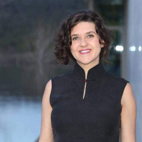 Dr. Debora de Carvalho Pereira